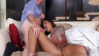 Amateur Brunette Anal Creampie Going South Of The Border