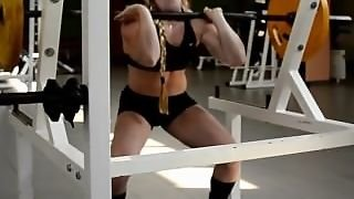 Russian Strong Muscle Girl