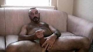 Str8 Married Daddy Bear Filming To Jack Off