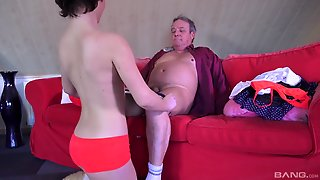Insatiable Babe Veronica Morre Seduces A Mature Fellow For Afuck