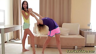 Skinny Flexible Girlfriend Gymnasts