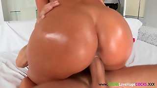 Tanned Bigbooty Teen Cocksucks Bigcock