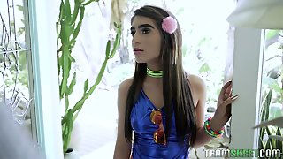Kinky Chick With Thick Eyebrows Joseline Kelly Gets Her Twat Drilled Mish