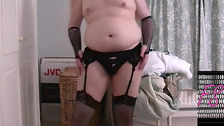 Sissy Shakes Ass And Talks Dirty.
