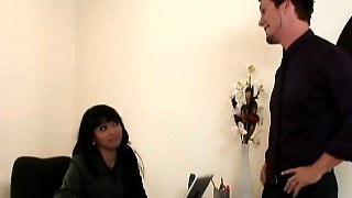 Office Assistant Gives Blowjob To Her Boss