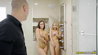 Kelsi And Khloe Caught Playing In A Shower By A Horny Fellow