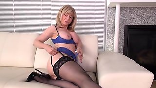 Nina Hartley Solo