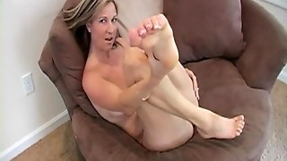 Toe Sucking Sweetie