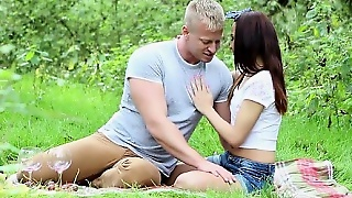 Young Girlfriend Extreme Gagging