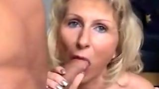 Blowjob From A Milf