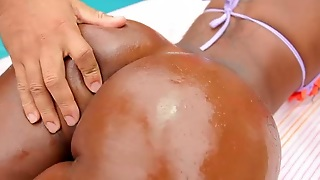 Vivian Silva Come Out To Get Her Ts Ass Stretched And Fucked!