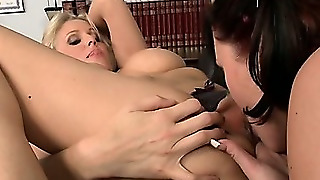 Lessons In Lesbian Pussy Loving