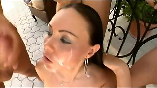 Sexy Slut Works With Skilled Mouth Out-Of-Doors