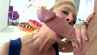 Blonde Temptress Proves That She Takes Dick