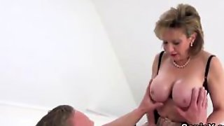 Unfaithful Uk Mature Lady Sonia Shows Off Her Huge Boob