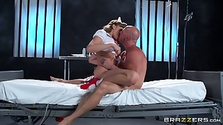 Hot Like Fie Stacked Milf Mia Malkova Performs Steamy Bj