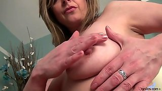 Solo Mature Plays With Herself