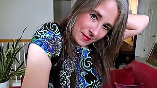 Mature Is Doing Striptease And Masturbating