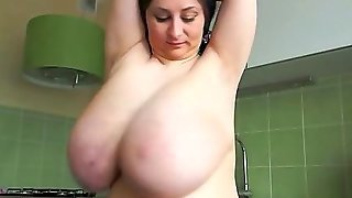 Amateurs With Big Natural Tits