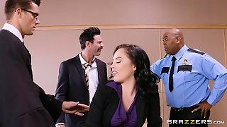 Frenzy Milf Gangbang And Double Penetration In Law Court