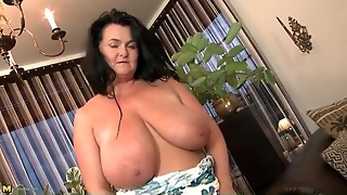Huge Mature Tits Are Incredible In Solo Porn