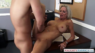 Emma Starr & Seth Gamble In Naughty Office