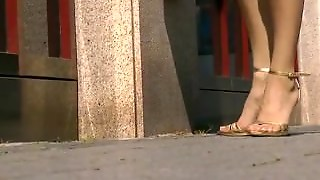 Close Up Veiny Feet In Golden Stiletto On Street - Loversheels@pornhub
