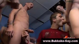 Gay Twink Is Sucking Off In Gangbang