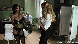 Bonnie Rotten And Mia Malkova Gets Pounded In A Hardcore Ffm Threesome