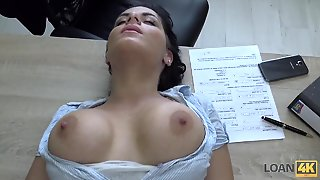 Girl Pays Back Her Loan By Having Anal Sex With Him