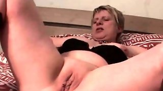 Blonde Mom Playing With Her Sexy Cunt In Bed