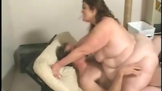 Extreme Fat Girl Needs Sex