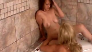 Lesbians And Squirting