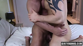 Muscle Bodybuilder Anal And Cumshot