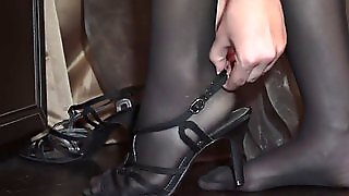 Teen Girl Is A Perfect Rider