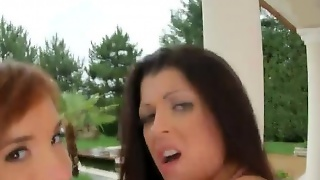 Outdoor Dirty 3Some With Tina Hot Vivien Bell