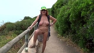 Sexy Old Whore Entices Its Charms Residents Of Brazil.