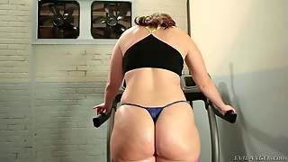 Bbw Virgo Peridot With Natural Boobs And Thick Ass Strips