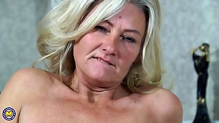 Sexy And Mature Blonde Makes Herself Cum