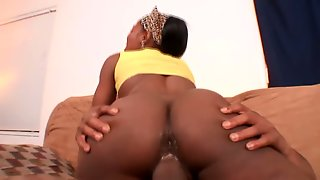 Miss Simone Has A Super Booty And This Black Chick Likes Cowgirl Position