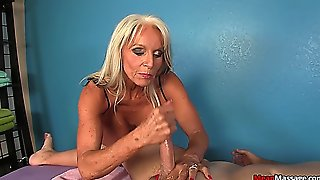 Sally D'angelo Naghty Masseuse - Meanmassage 2015-02-11 720P
