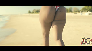 Thick Ebony Beauty Shows Off Her Hot Body By The Beach