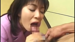 Petite Japan Babe Loves To Eat Semen With Her Food