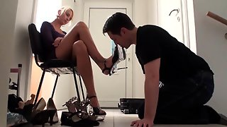Slave Must Lick The Shoes Of Arrogant Blond Princess Paris