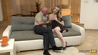 Daddy4K. Skinny Russian 18-Years-Old Jessi Tastes Old One-Eyed Snake In..