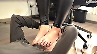 Erotic Feet - Mafia Boss S Daughter And Her Footboy