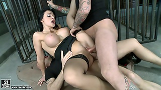 Aletta Ocean Gets Meccy Facial In The Prison Cell