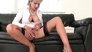 Horny Stockinged Mature British Babe