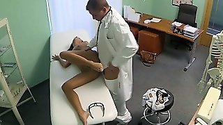 Sexy Patient Licked And Fucked By Doctor
