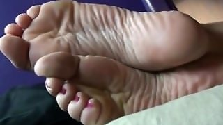 Isabella Rossa - I Told You To Keep Kissing Them Foot Tease